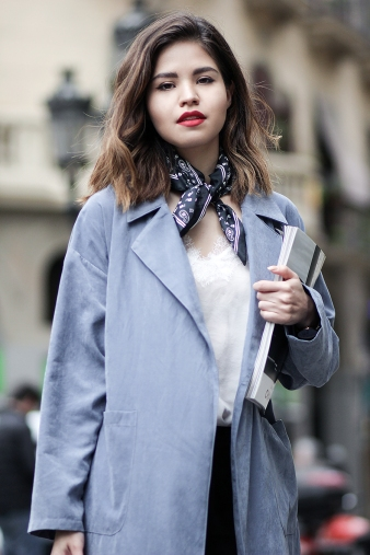 03-the-truth-about-blogging-shein-trench-coat-zara-neck-tie-cami-nyc-jil-sander-sneakers-coach-totebag-barcelona-blogger-mexicana