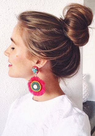 f6856c5c91275dbc3453204e2b286c4d--perfect-messy-bun-pink-earrings